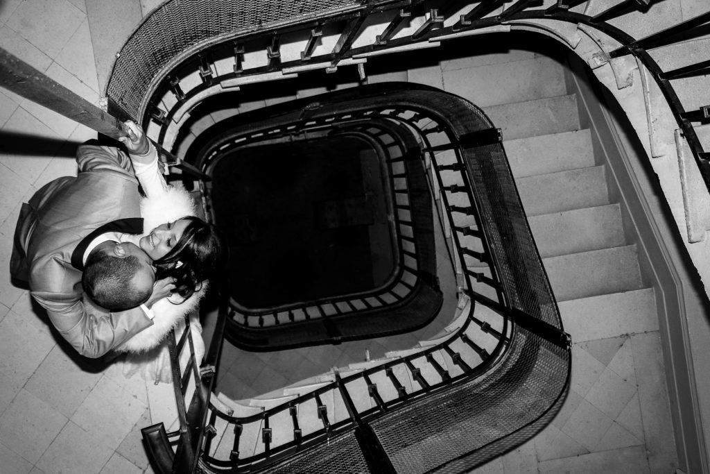 Mariage Provence Alpes Isère Grenoble Neige Nouvelle Calédonie Fine art Méditerannée Castle Photographer Mariage Château montagne Hourcq Photographer International wedding bride groom Angers Nantes Paris bridemaid Glamour Bohème chic raffiné Cérémonie Laique Photo émotion étreinte larmes
