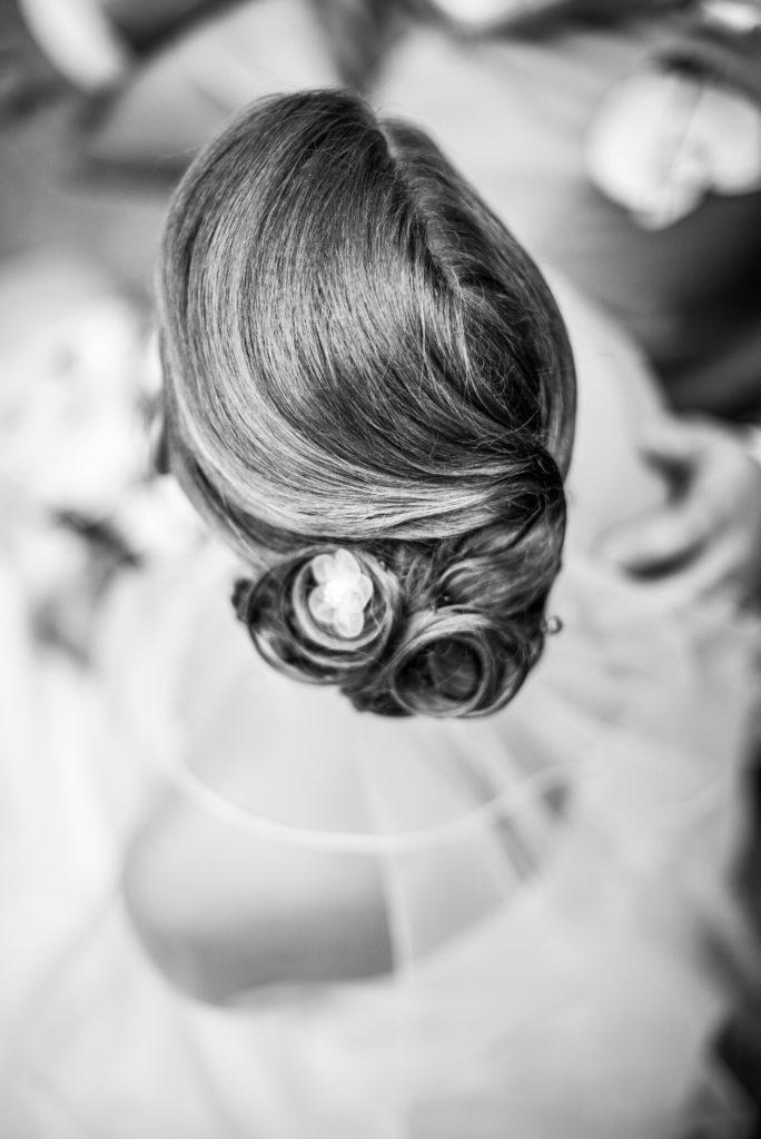Coiffure mariée Hair Make-up Artist Bride Loire Castle Photographer Mariage Château La groirie Le Mans Hourcq Photographe Angers Nantes Paris wedding Fine art Glamour Bohème chic raffiné shooting couple Cérémonie Laique Photo